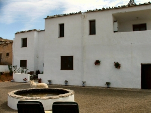 front of cortijo