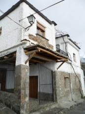 Townhouse for sale in Pitres, Spain