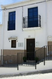 Townhouse for sale in Santa Cruz Del Comercio, Spain