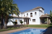 Villa for sale in Vegas del Genil / Ambroz, Spain