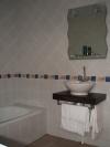 thumb_907_bathroom.jpg